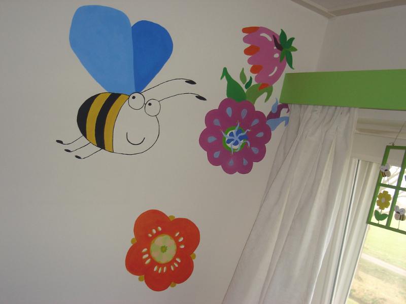 bij muurschildering