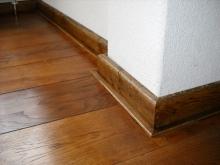 houten plinten monteren